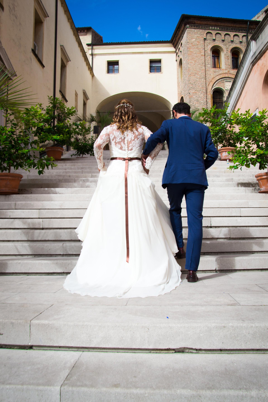 Sposi salgono la scalinata